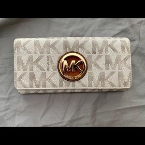 Michael Kors Leather Clasp Wallet